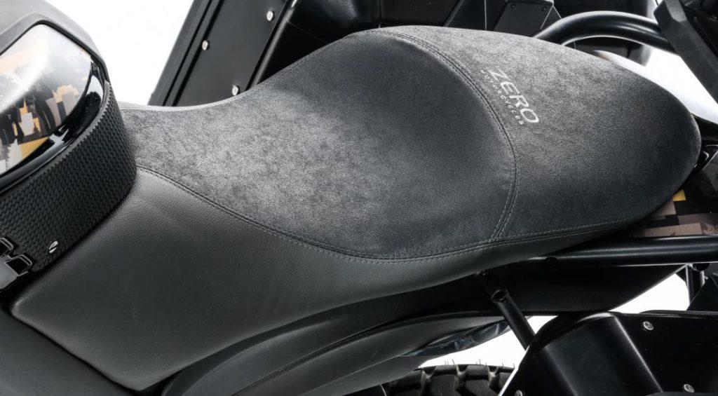 NYHET: Komfort/touring-sadel, samma sadel i mockaliknande material som sitter på DSR Black Forest Edition. Ej prissatt ännu.