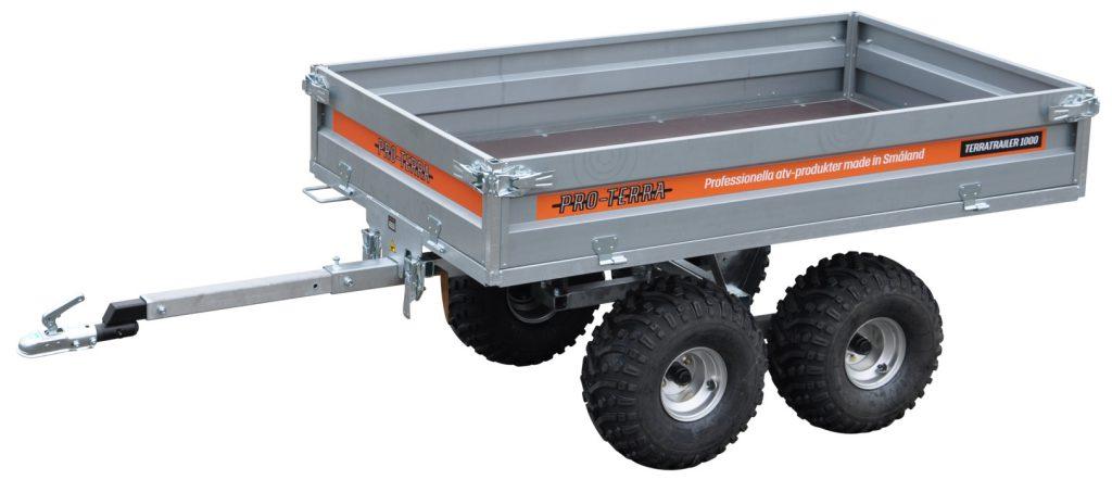 Pro-Terra TerraTrailer 1000 är en tippbar flakvagn med boggie, plant flak och 1 000 kg kapacitet. Flakmåttet är 205 x 120 cm.