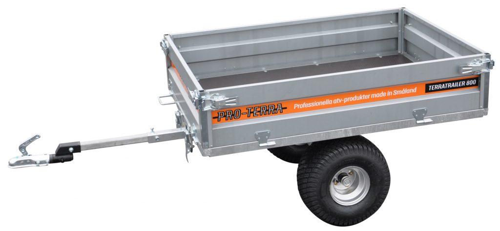Pro-Terra TerraTrailer 800 är en tippbar flakvagn med plant flak och 800 kg kapacitet. Flakmåttet är 150 x 100 cm.
