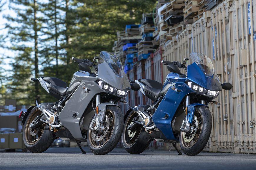 Zero SR/S finns i färgerna Cerulean Blue och Skyline Silver. Foto: Kevin Wing, Zero Motorcycles.